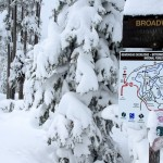 010-Snow-depth-off-Broadway-20jan12